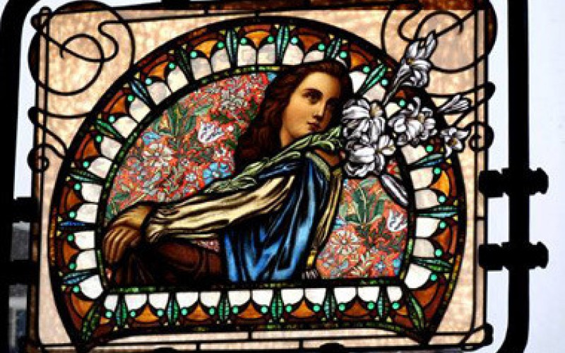 Image file Stained-Glass-3_fabece80-5056-a36a-09326a2b3b05a0f0.jpg