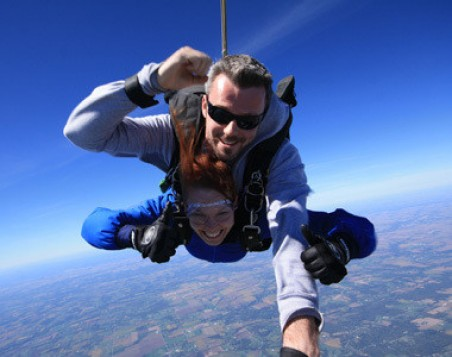 Image file Sky-Diving-Mid-Jump_fabe6ce9-5056-a36a-09cd202df0928796.jpg